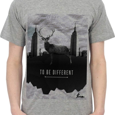 TO_BE_DIFFERENT_FEARSOM_cerf_Gris
