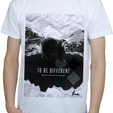 TO_BE_DIFFERENT_FEARSOM_ours_Blanc